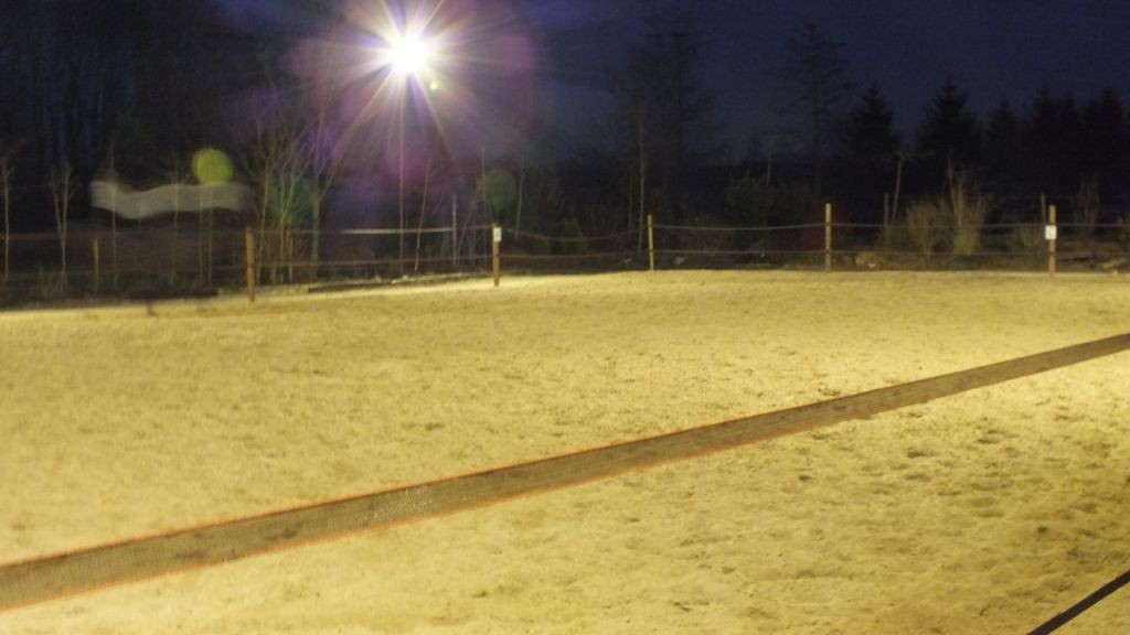 Paarden rijbak verlichten